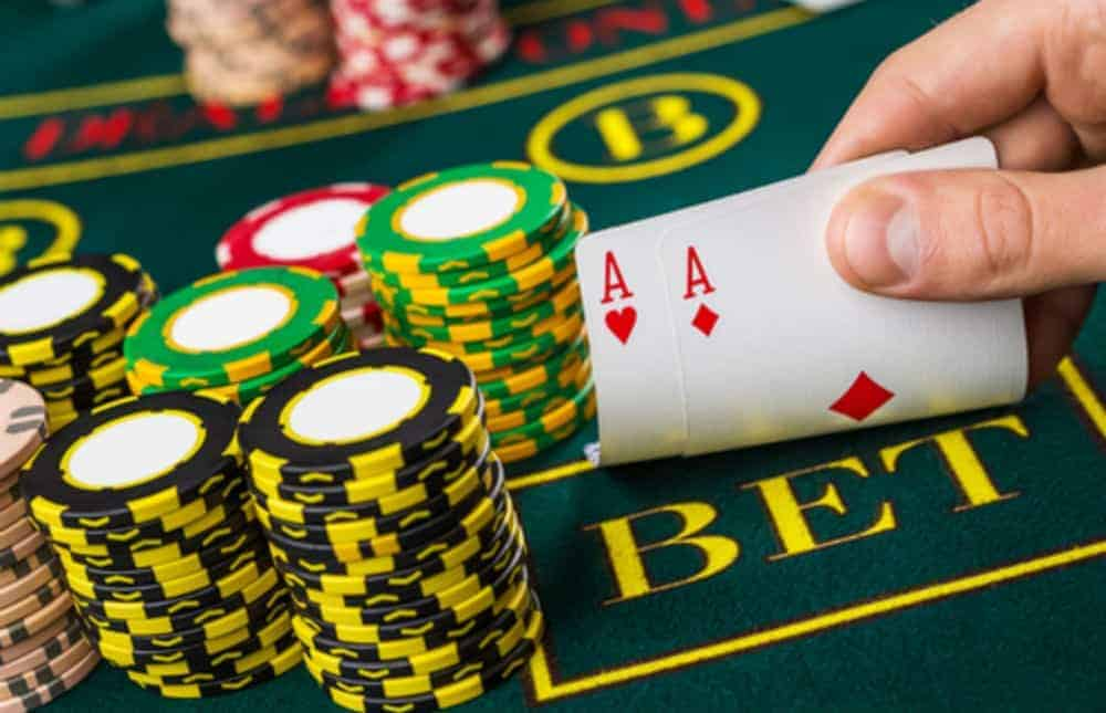 Baccarat Defined and Explored – The Fundamentals