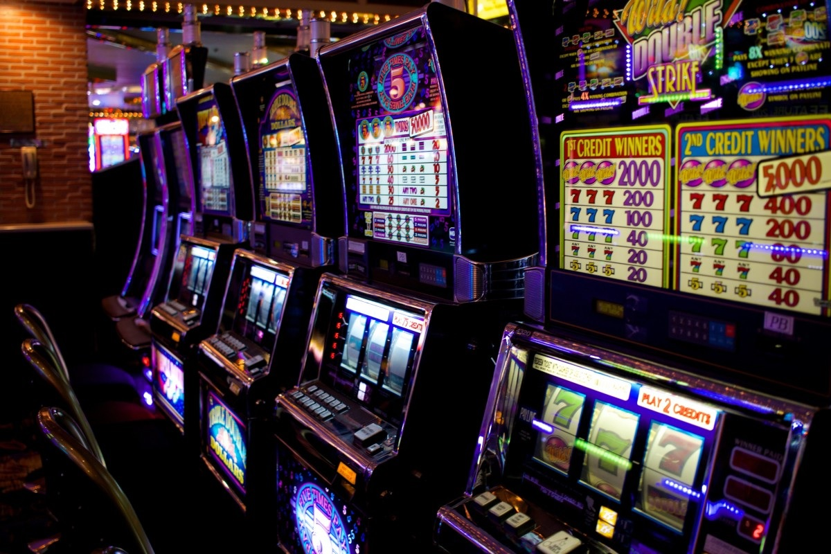 How much perks would you receive while playing online slots?