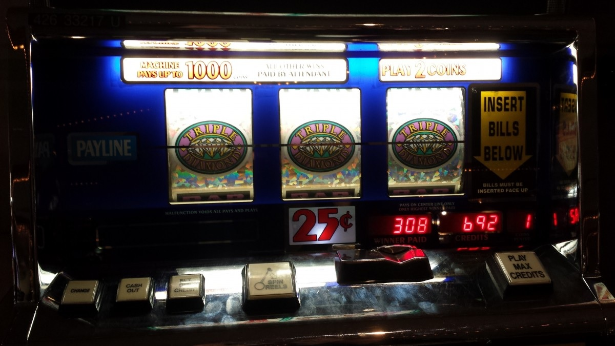 How to Win at Slots – Tricks to Improve Your Odds