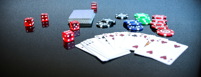 5 Top reasons to play poker online