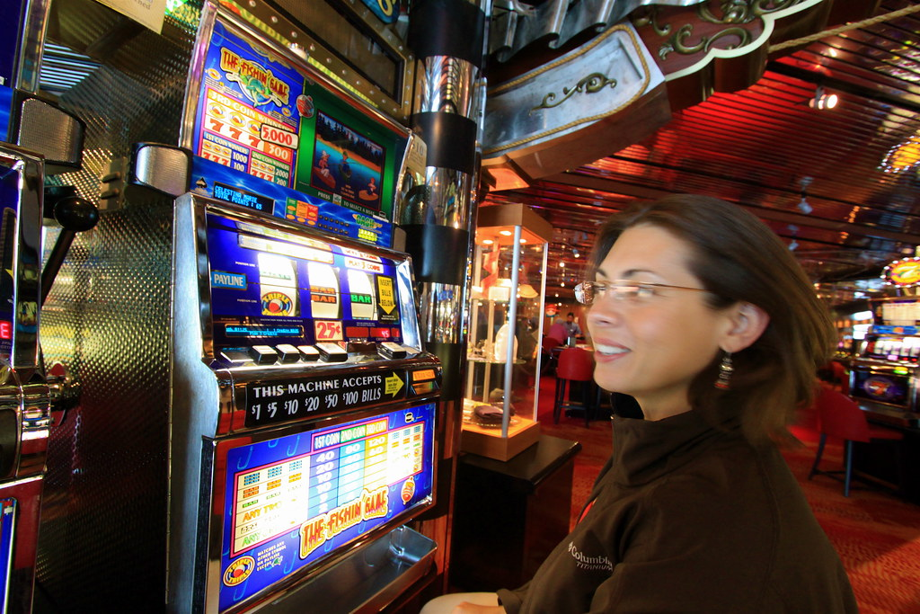 Advantages of playing the fun online free slot games