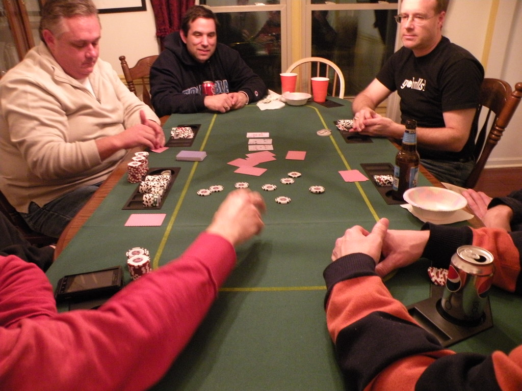 Interesting Facts and Instructions to Start Playing Online Poker Games
